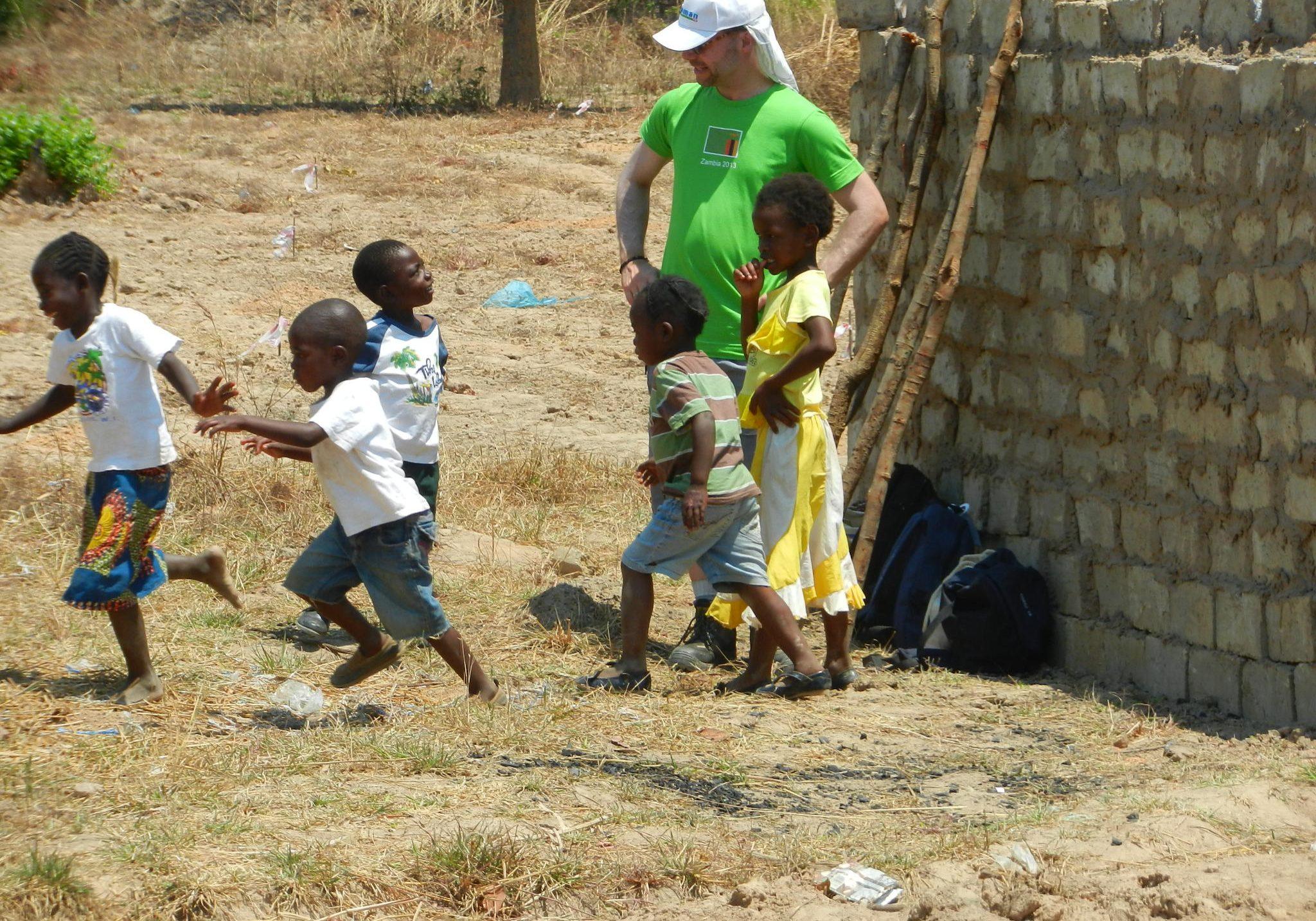 Kindjes vinden zo'n Muzungu vreemd